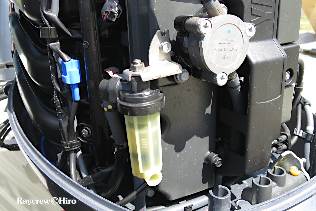船外機の燃料フィルタケースカバーの修理