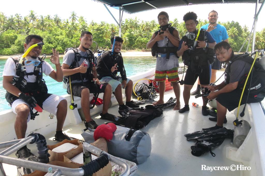 マーシャル諸島短期大学ダイビングクラス/AOWコース